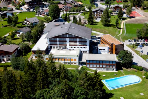 LES ROCHES INTERNATIONAL SCHOOL OF HOTEL MANAGEMENT SWISS